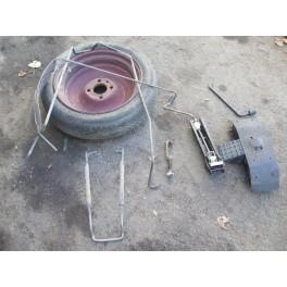 kit complet roue de secours pour peugeot 206 sw slugauto. Black Bedroom Furniture Sets. Home Design Ideas